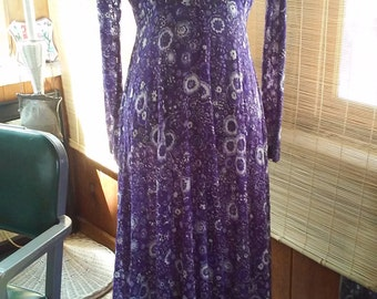 70s ANNE FOGARTY--Stretchy Purple Lace Maxi Dress--Flowers and Birds Print--Purple, Lilac, and White--Size L