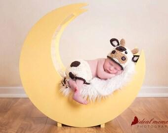 Baby Cow Prop/ Newborn Cow Prop/ Baby Cow Prop/ Baby Bull Hat/ Baby Boy Prop/ Baby Girl Prop/Cow Costume/ Crochet Cow Hat/Farm Theme Nursery