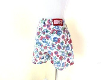 Vintage Floral Denim Shorts / High Waisted Shorts / Bongo Shorts / High White Shorts / 90s Denim Shorts / Grunge Revival / Juniors Shorts XS