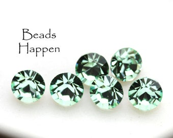 39ss Chrysolite Green Chatons, 39ss Rhinestones, Round Glass Stones, Light Green Chatons, Quantity 6