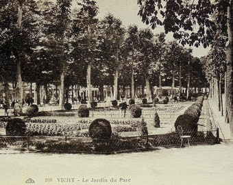 Vintage Unused French Postcard - The Garden in the Park at Vichy, Allier, France