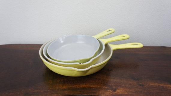 yellow vintage le creuset cousances set of three frying pans. Black Bedroom Furniture Sets. Home Design Ideas
