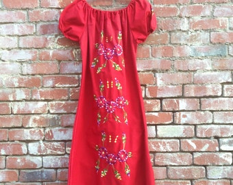 Rosa Dress // Vintage Red Embroidered Mexican Hippie Boho Bohemian Dress Flowers Floral Medium Off the Shoulder