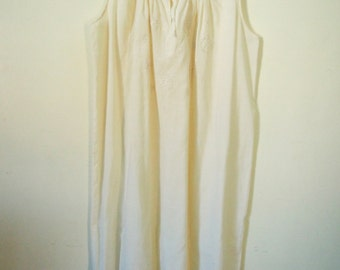Vintage 1970s Ecru cotton slip dress petticoat