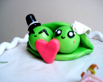Wedding Cake Topper Two Peas in a Pod Cake Topper Keepsake Personalized