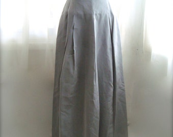 Taffeta Full Skirt With Box Pleats, Vintage Cache in Silver Grey, Size 6
