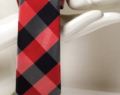 Slim red tartan plaid mens tie. Exlusive nerd nectie in black and red. Hipster Oxford tie by TieStory. Gift for dad or crazy tie lover.