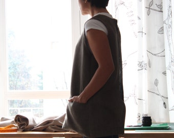Linen apron. Short pinafore japanese style for lagenlook outfit. Artisan smock. Made in Italy.  Sizes S to XL.
