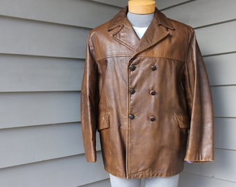 vintage 60's - 70's -Campus- Men's leather coat. Double breasted - Distressed Bourbon color. Retro styling. Size 42