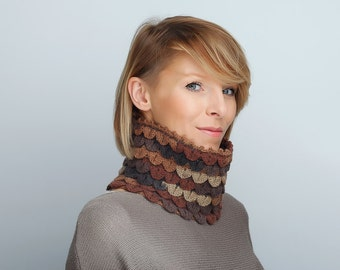 Chunky knit cowl neck warmer Crochet Cowl scarf Brown Beige Chunky Cowl Neckwarmer Wool Cowl
