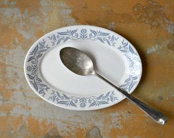 Homer Laughlin Platter, 1982 Serving Plate, Vintage White Gray Restaurant Ware, Folk Flower and Leaf Motif
