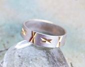 Vintage Wedding Ring Band - Row of Kisses - Size 6.5