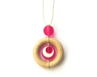 Teething Necklace for Mom - Nursing Breastfeeding Babywearing Necklace - Hot Pink, Fuchsia