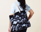 Mountain Tote Bag - Black