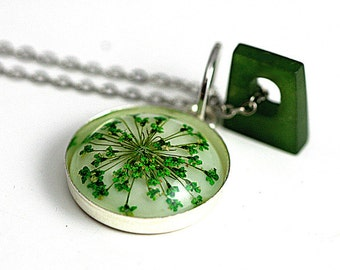 ON SALE 40% OFF: Queen Anne's lace necklace with genuine vintage jade charm. Real flower necklace for her.