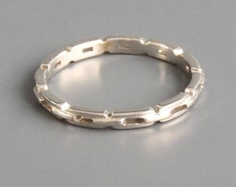 Modernist 18k Chain Ring. White Gold Eternity Band. Industrial. 6.25 M.
