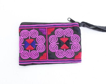 Small Coin Pouch Embroidered Hill Tribe Fabric Handmade Thailand (BG290W.1)