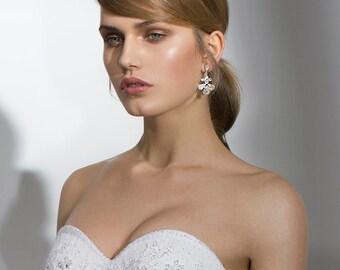 Cubic zirconia earrings, Chandelier Bridal Earrings, Rhinestone Jewelry, Swarovski crystal earrings, Wedding accessories Silver earrings