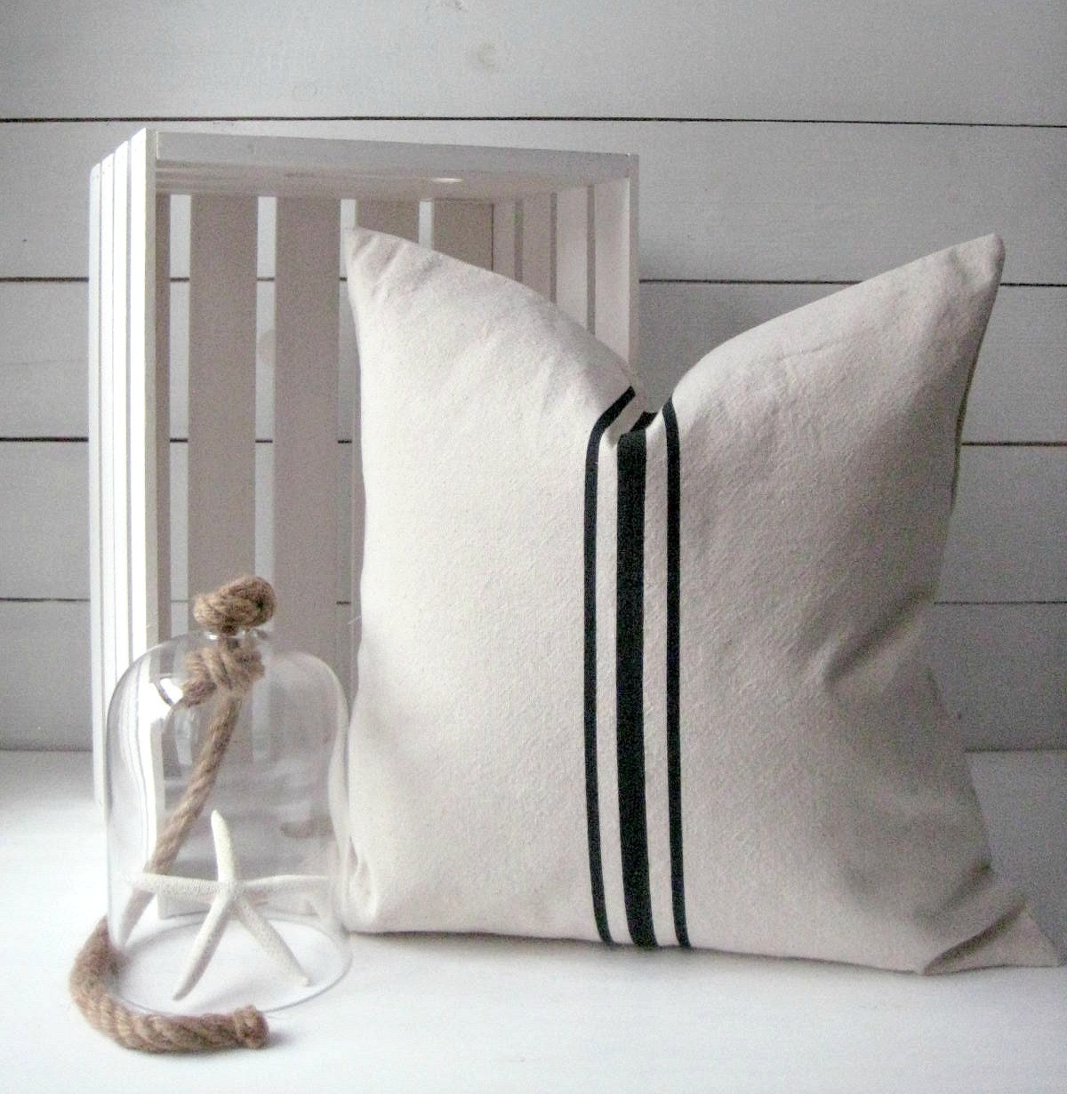 Modern Country Pillows : Grainsack Pillow/ Modern Farmhouse / French Country Decor