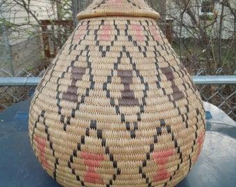 Vintage Zulu African Ukhamba Beer Basket Marriage Bride Groom with Lid Lidded Egg Shaped