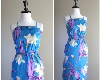 Lovely Tropical Lily Floral Pattern Vintage Halter Sun Dress / 1970s 1980s