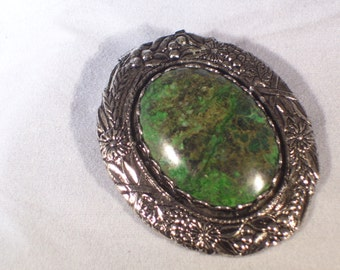 Beautiful Agate Pendant and Brooch Combo in Silver Mounting
