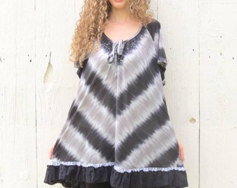 Plus size Tunic , Upcycled shirt , womens size 2X 3X tie dye tunic dress , bohemian top , eco chic clothing , black and gray altered shirt