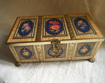 French Vintage , Old Tin , Painted Roses, Gilt Jewellery Box, Shabby  French Chic ,Boudoir  Paris Appartment