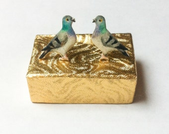 Hand Painted Pigeon earrings.  Bird Earrings - Hand drawn