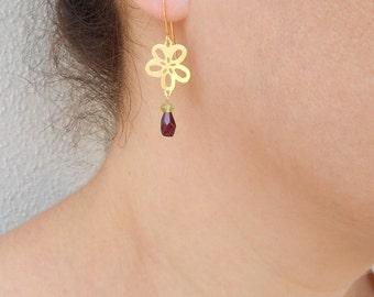 Summer SALE - Gold garnet earrings, Garnet drop earrings, Gold flower earrings