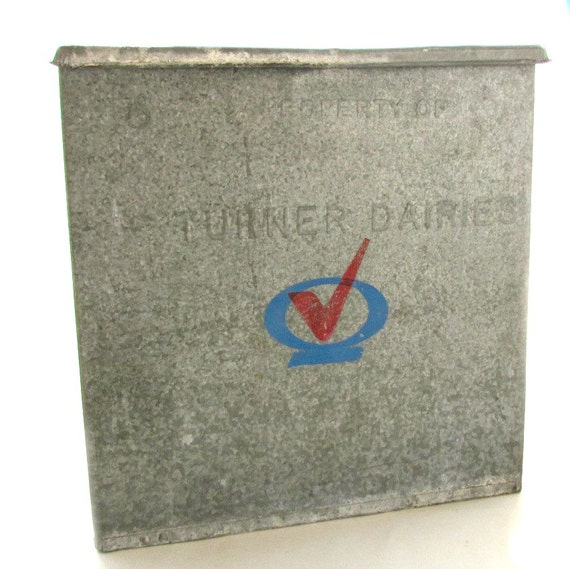 vintage galvanized metal milk box turner dairies by rockintherust. Black Bedroom Furniture Sets. Home Design Ideas
