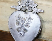 Metal heart, ex-voto heart, metal heart mirror, Mediterranea Design Studio, silver heart, sacred heart, metal wall decor, vintage french
