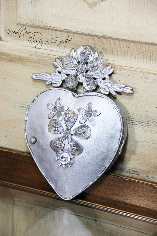 metal heart ex voto heart wall decor heart mirror. Black Bedroom Furniture Sets. Home Design Ideas