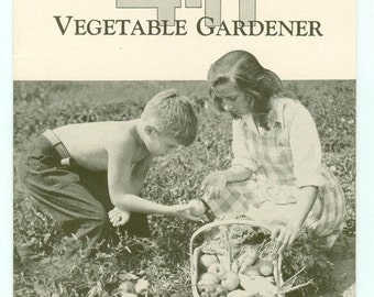 Vintage 4-H Vegetable Gardener Booklet 4H Bulletin #52 Michigan State College Extension Service East Lansing