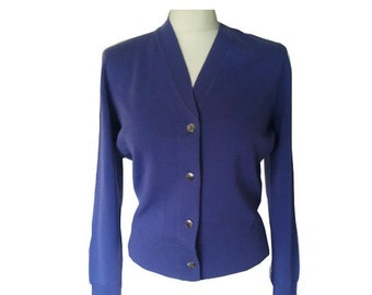 Purple little cardigan wool pin up 1960