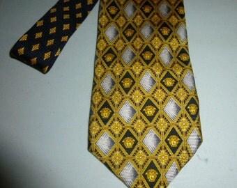 Mens Gianni Versace Silk Tie Necktie Medusa Head Logo Design Made in Italy