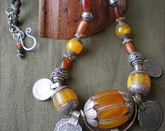 Lucky Silk Road Tibetan Amber Amulet Necklace