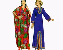 1970s WOMENS CAFTAN PATTERN V-Neck Boho Pullover Dress Patterns Simplicity 5315 70s Vintage Womens Sewing Patterns Bust 31.5 32.5 Small