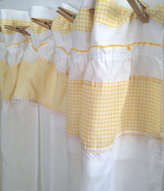 ruffled cafe curtain yellow gingham lace