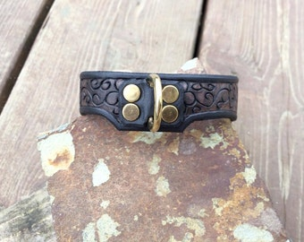 Hand Tooled Leather Dog Collar Scroll Detail