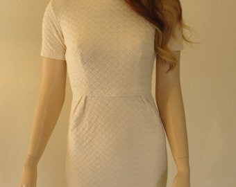 Vintage 1950s cream colored wiggle dress mid century with back metal zipper Small XS pin up rockabilly