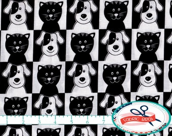 CAT & DOG Fabric by the Yard, Fat Quarter Smiley PETS Fabric Black and White Fabric 100% Cotton Fabric Quilting Fabric Apparel Fabric t3-31