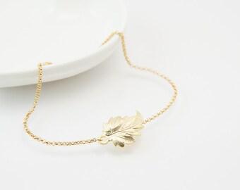 Leaf charm bracelet, cute bracelet, friendship bracelet, gold leaf bracelet, leaf bracelet, cute gold bracelet, gold leaf charm, cute leaf