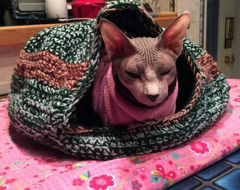 Crochet Cat Cocoon Bed (Made to order)