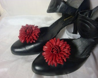 Red Chrysanthemum Flower Shoe clips , Real Leather Handmade Unique Accessories ,  Shoe Jewellery,  Decorate your shoes