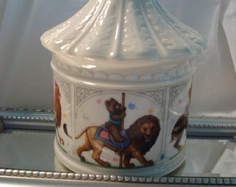 Vintage Lenox China Bears Heirloom Collection Carousel Bank - So Pretty!