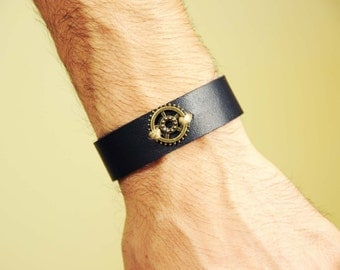 FREE SHIPPING Men's leather bracelet,Clasp Handmade,Personalized Bracelet,Real Leather