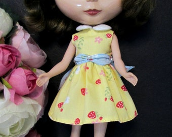 Blythe Doll Outfit Clothing Strawberry Print Yellow dress
