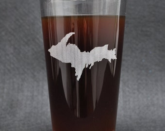 Michigan's Upper Peninsula (The UP) Etched Pint Glass