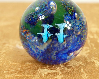 paper weight, art glass, aquarium, dolphins, dichroic, controlled bubbles, vintage, collectible